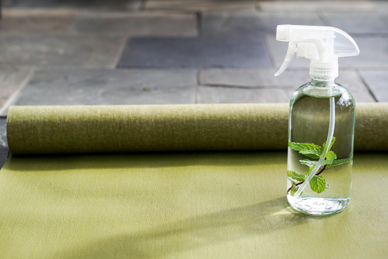Maak je eigen yogamat spray