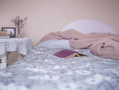 Yogaposes om beter te slapen