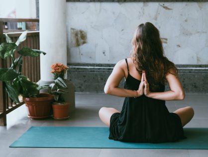 Op zoek naar verstilling met Yin Yoga