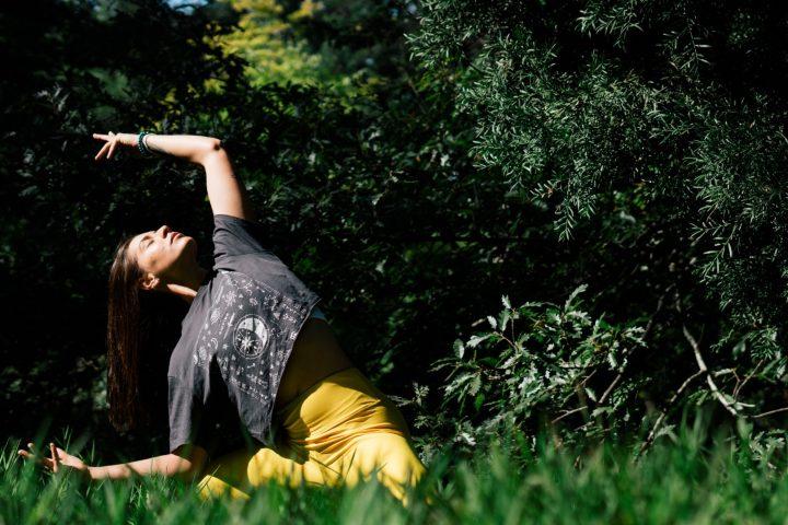 Yoga en de elementen: verbonden met de natuur