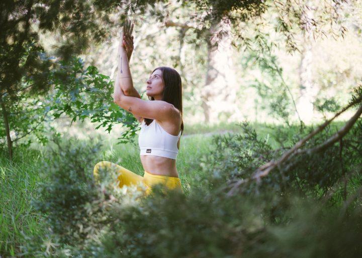 Yoga voor meer aarding, waar je ook bent